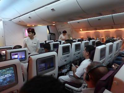 Interior Boeing 777-300 , Qatar Airways, La vuelta al mundo de Asun y Ricardo, vuelta al mundo, round the world, mundoporlibre.com
