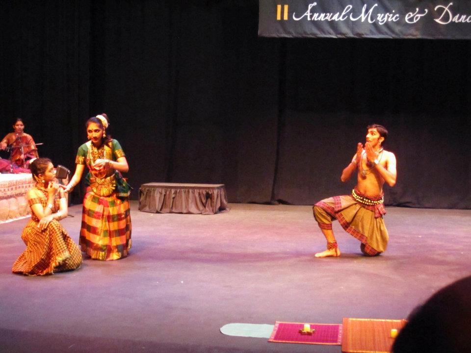 Gayathri Girish's Blog: April 2012