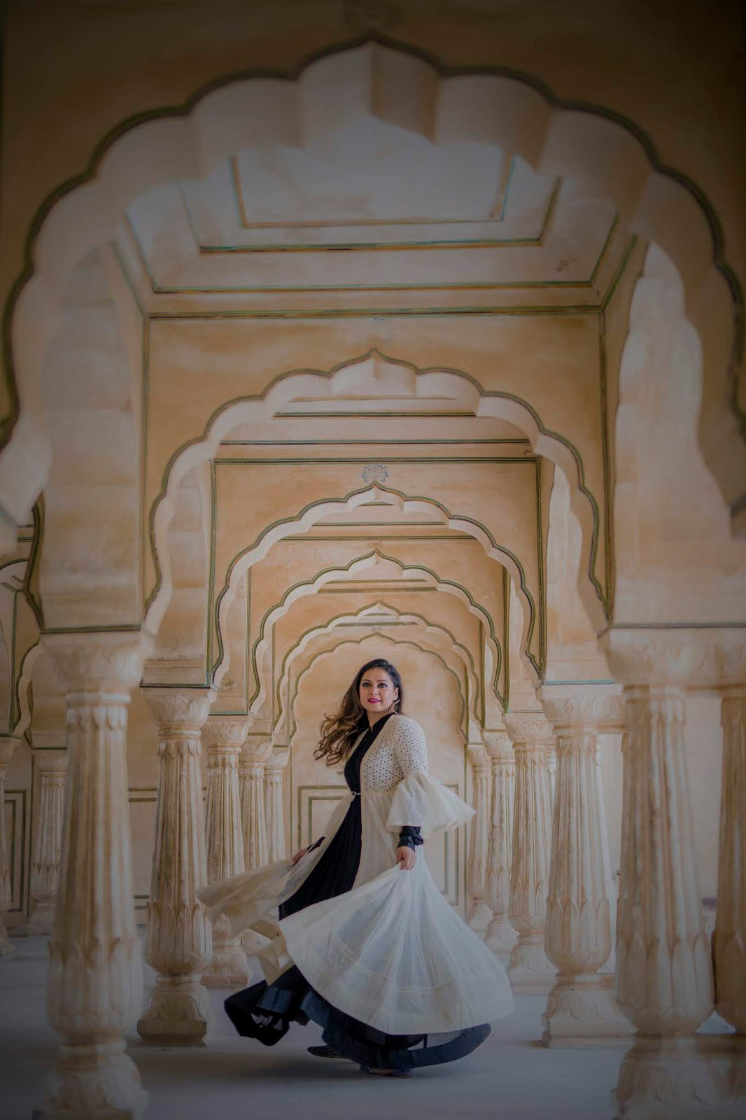 jaipur trip, travel blogger, fashion, style,. myriad musings, amor first, paprika gate, pink city trip, wanderlust, city palace, hawa mahal