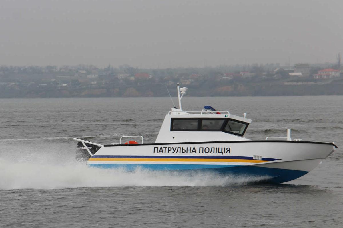У Миколаєві представили швидкісний катер для поліції