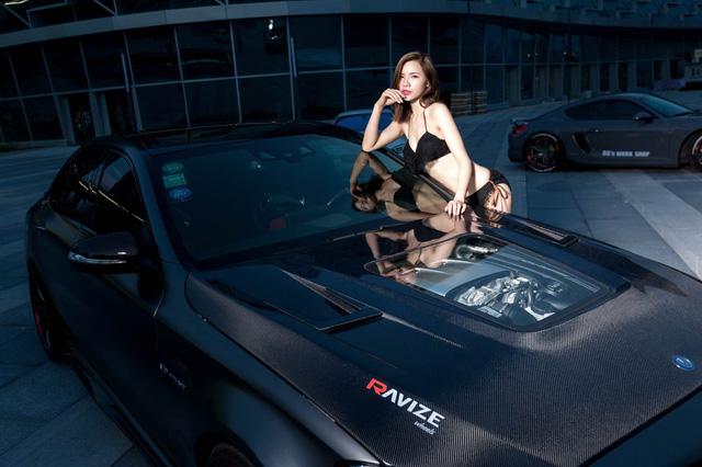 Sales nữ ô tô