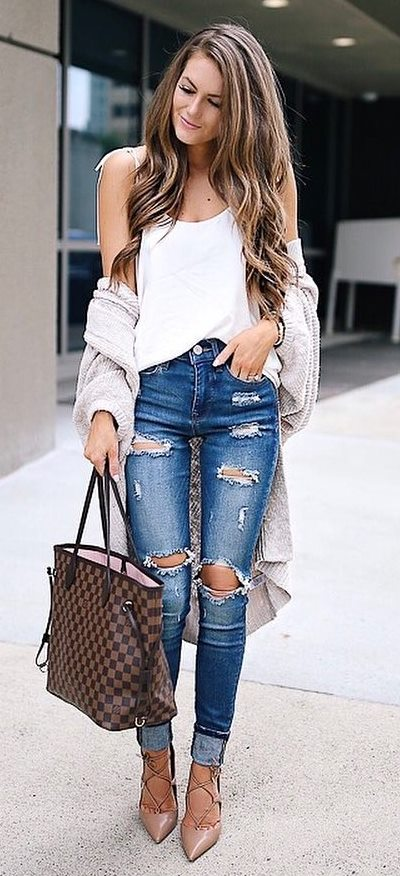 incredible fall outfit / cardigan + bag + hat + heels + rips + top