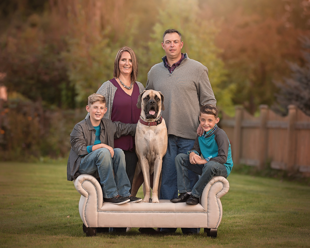 Family photos with pet dog DeKalb, Sycamore, Geneva, IL Rivermist