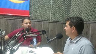 Prefeito de Picuí participa do programa 'Diálogo Aberto' na 89 FM de Cuité; veja como foi