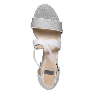 sandali con tacco quadrato di Bata - descrizione e prezzo
