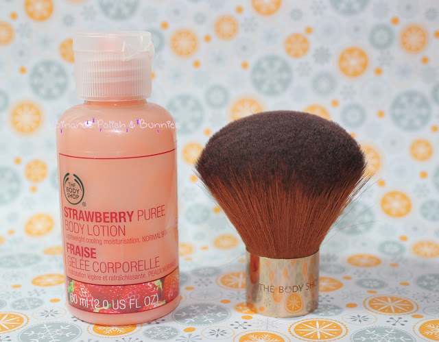 The Body Shop Kabuki Pinsel Strawberry Puree