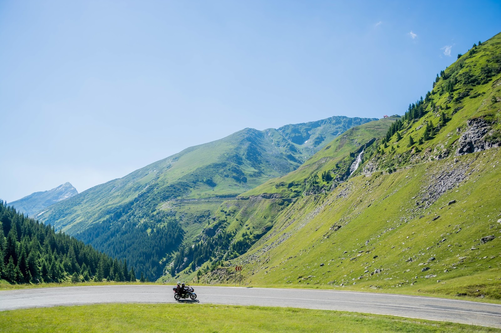 Best Motorcycling Routes Around The World
