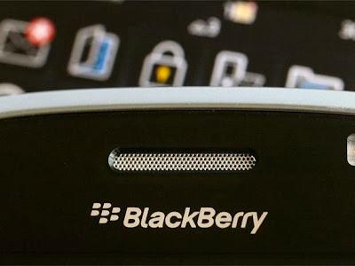 """El Director y Gerente Sunil Lalwani de BlackBerry en ka India informó que el soporte para dispositivosBlackBerry antiguos terminará en diciembre del 2015 tienen previsto centrarse en BlackBerry 10 y ofrecerán a los usuarios la opción de actualizar. En una larga entrevista al Sr. Lalwani explayó sobre los planes futuros de BlackBerry ¿Por qué centrarse en el software y los servicios? Sr. Lalwani dice que BlackBerry cree firmemente """"esta estrategia será clave para nuestra respuesta y la rentabilidad en el 2014, y estamos muy optimistas sobre el futuro de BlackBerry"""". Centrándose en BBM, BlackBerry tiene previsto averiguar exactamente cómo obtener"""