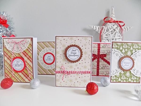 kartki świąteczne, scrapbook, Boże Narodzenie, DIY, zrób to sam, sznurek, wstążki, papier, czerwony, biały, święta, chrostmas, kratka, choinki, gwiazdka, święty mikołaj, kartki świąteczne