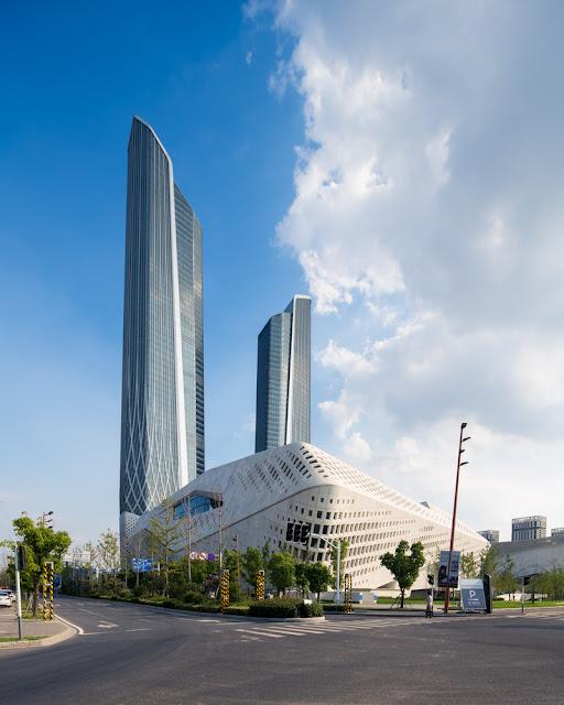 10. CMA CGM Tower (2004–2011) di Marseilles, Prancis