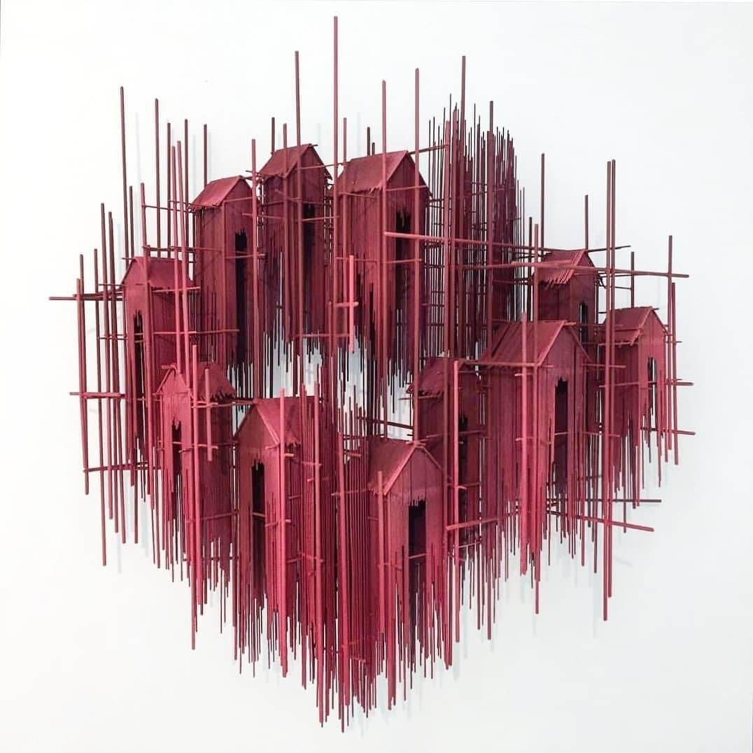 14-David-Moreno-Sketching-Architectural-Sculptures-with-Wire-www-designstack-co