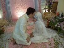 WOW..!! Kisah Menangisnya Sang Mempelai Pria Saat Malam Pertama,Sebuah Pelajaran Buat Yang Belum Menikah.
