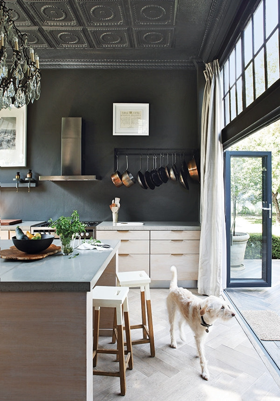 dark interior chic and deco blog