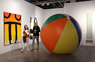 https://www.artsy.net/article/artsy-editorial-completely-revamped-art-basel-miami-beach-sees-upswing-early-sales