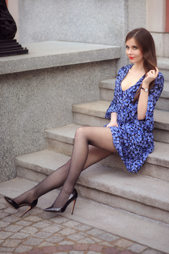 Ariadna Majewska  Blue%2Bfloral%2Bdress%2Bblack%2Bnylons%2Blong%2Blegs