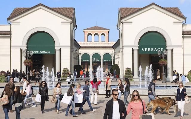 Tour pelo centro comercial outlet Serravalle