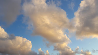 (Almost) Wordless Wednesday - clouds