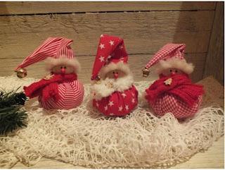 cómo hacer adornos navideños con tela, adornos de navidad con reciclaje de tela