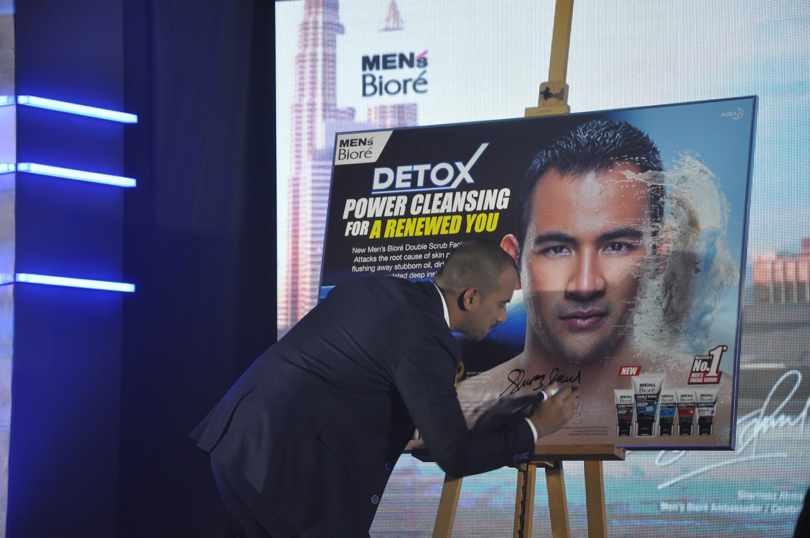 Sara Wanderlust Launch The New Mens Bior Double Scrub Range Kao Biore Facial Foam Men S Cool Oil Clear 100g Sharnaaz Ahmad Signing Poster At