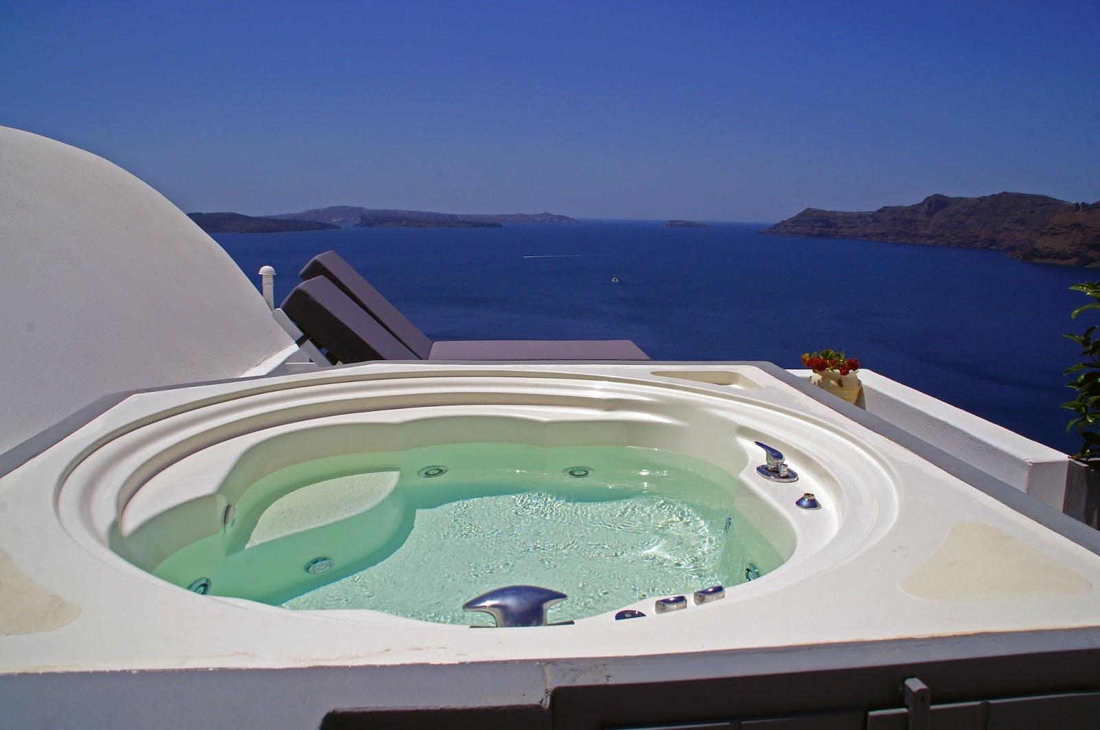 Jacuzzi at Nostos Apartments Oia Santorini