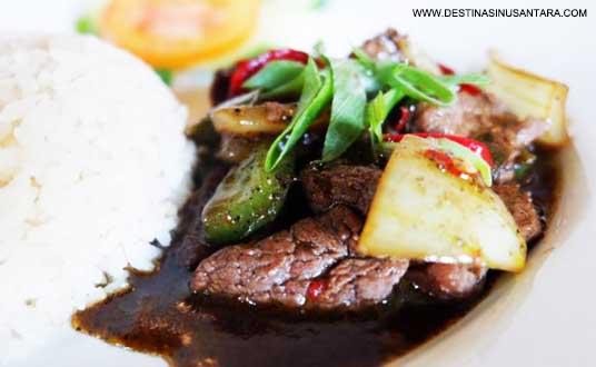 Nasi sapi lada hitam yang ada di rumah makan betha bisa menjadi santapan kuliner saat berada di subang tangkuban perahu.