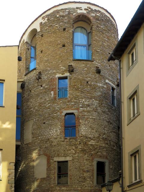 Torre della Pagliazza, Piazza Sant'Elisabetta, Florence