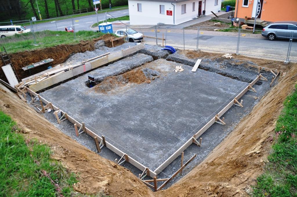 wir bauen ein haus am m hlberg tag 5 einbau der msh und. Black Bedroom Furniture Sets. Home Design Ideas
