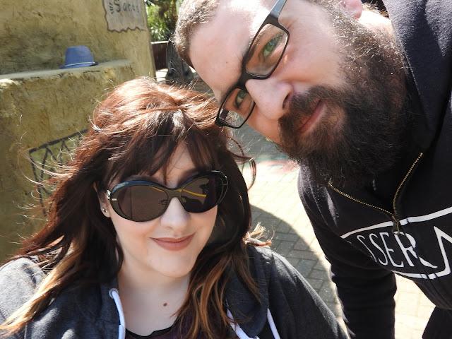 Selfie of Ian and Sarah at zoo