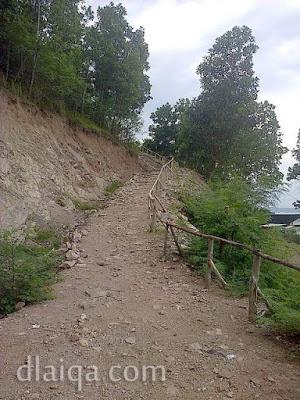 ayo naik ke atas bukit
