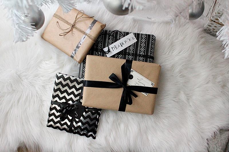 mustavalkoinen lahjapaketointi