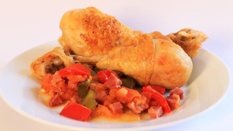 Guiso de Pollo al Chilindrón Casero | Receta Fácil de Pollo con Verduras