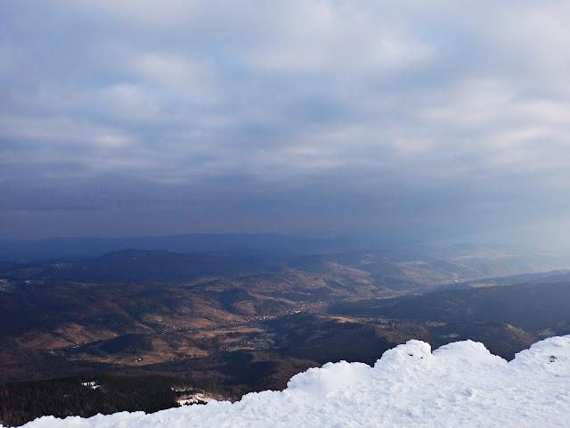 Zimowo-wiosenna panorama z Babiej Góry, marzec 2016.