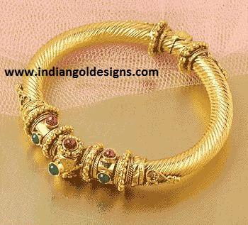 Gold And Diamond Jewellery Designs Gold Kada Bridal Bangle