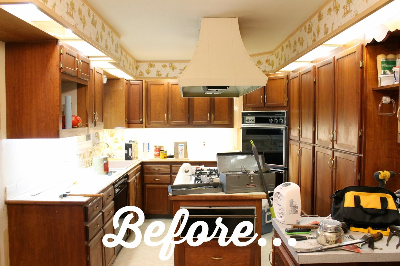 Should Kitchen Cabinets Go Up To Ceiling Wonderfully Made Extending Kitchen Cabinets To The Ceiling