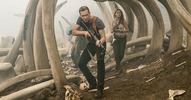 Tom Hiddleston y Brie Larson en Kong: Skull Island