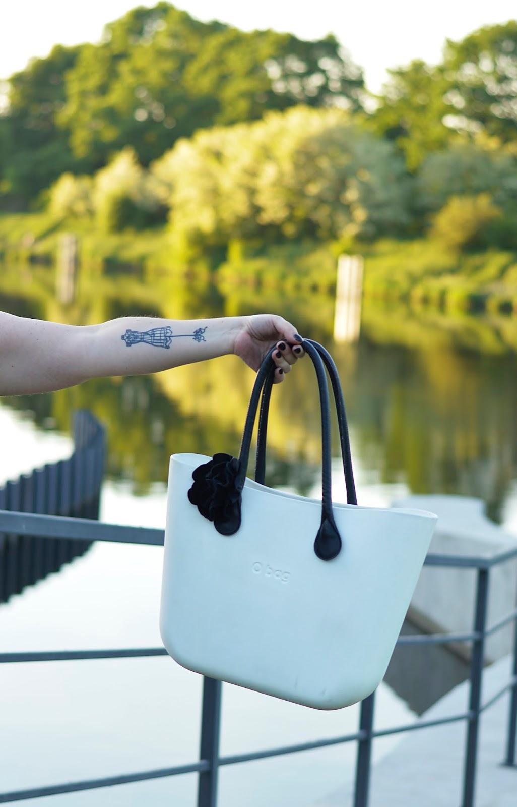 Summer stylisation, black and white fashion, obag