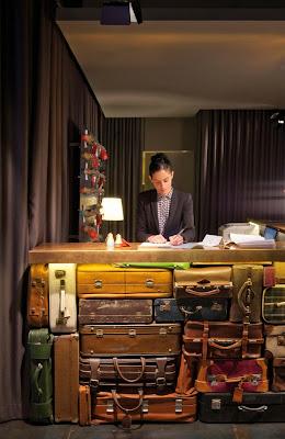 bureau de réception design valise