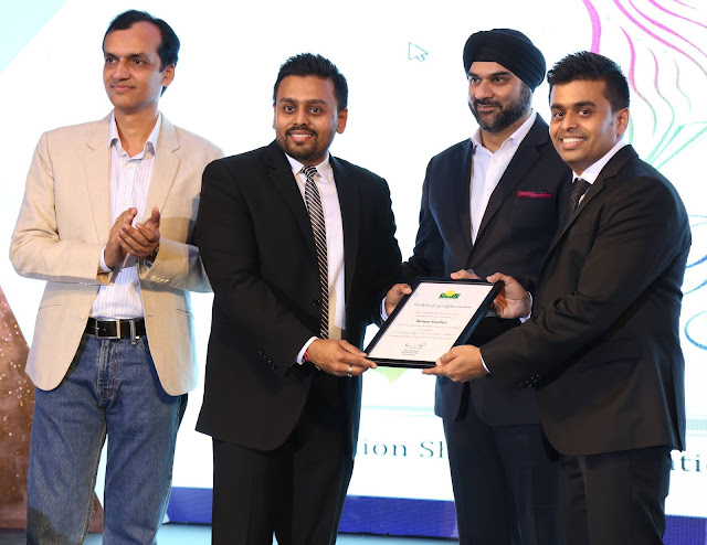 Mr. Ketan and Jatin Chokshi of Narayan Jewellers being felicitated by Mr Hardip Marwah, GM Hyatt Regency with Rajeev Sharma, GM, Smile Foundation at Smile Foundation's Ramp for champ event