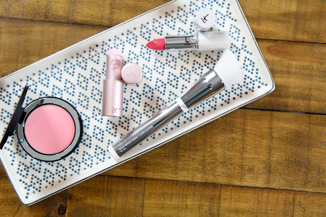IT Cosmetics Je Ne Sais Quoi Line
