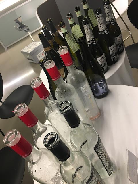 Parte de las botellas que catamos y descorchamos.#masquevinos en el sky bar del Pompaelo.