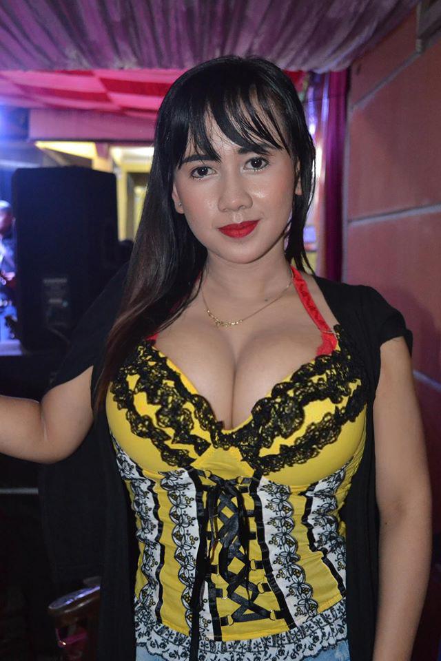 Foto Foto Sexy Penyanyi Dangdut Uut Selly  Dangdut Music