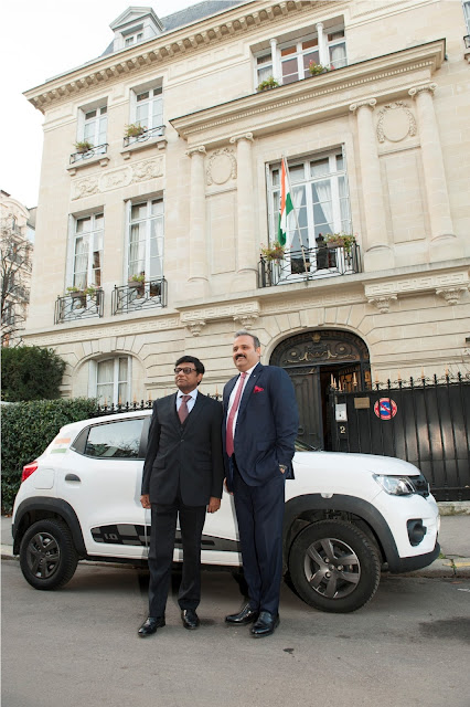 Image 1-(L-R) Dr. Mohan Kumar, Ambassador of India in France and Mr. Sumit Sawhney, Country CEO and MD, Renault India Operations-min