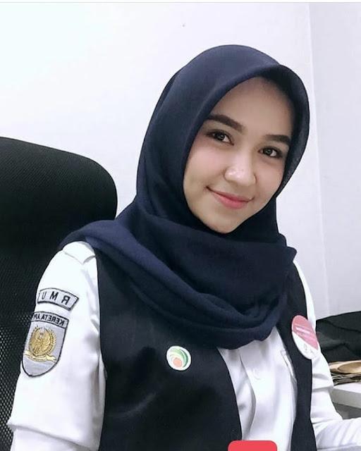 Diah Pitaloka Hijaber From Madiun