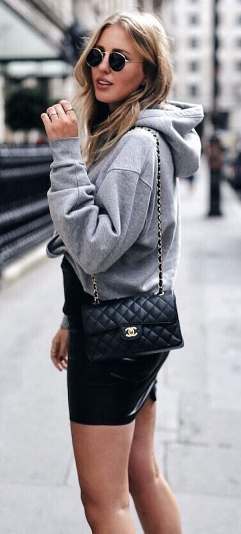 what to wear with a skirt : grey sweatshirt + bag