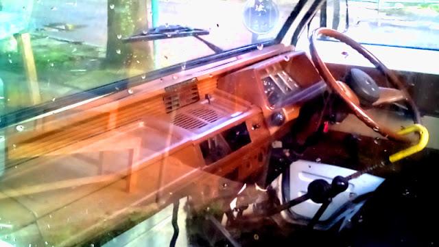 dashboard Mitsubishi Minicab L100