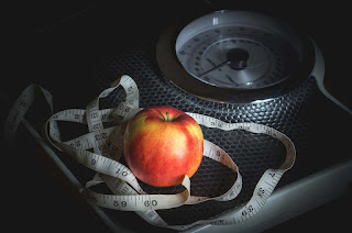ilustrasi pengukuran makanan untuk diet