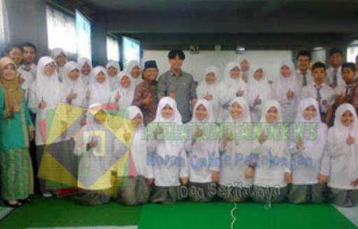 FSI SMAN 2 Bukittinggi Bertekad Jadi Generasi Penulis Islami