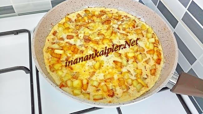 Kahvaltılık Küp Patatesli Omlet Nasıl Yapılır - inanankalpler.net