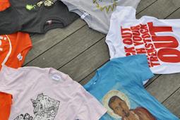 Pria 51 Tahun Ini Raup Rp 27 Milyar Hanya Dengan Jual Kaos Online