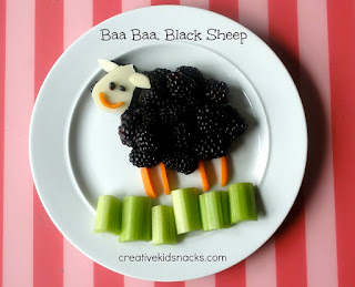 http://www.creativekidsnacks.com/2013/06/11/baa-baa-black-sheep/